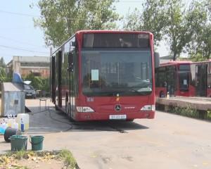 autobuz mercedes 3