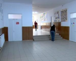 curatenie scoala