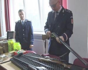 politisti arme 2
