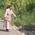 Fără apă şi cu o factură uriaşă! Problema unei bătrâne din satul Ogrăzi