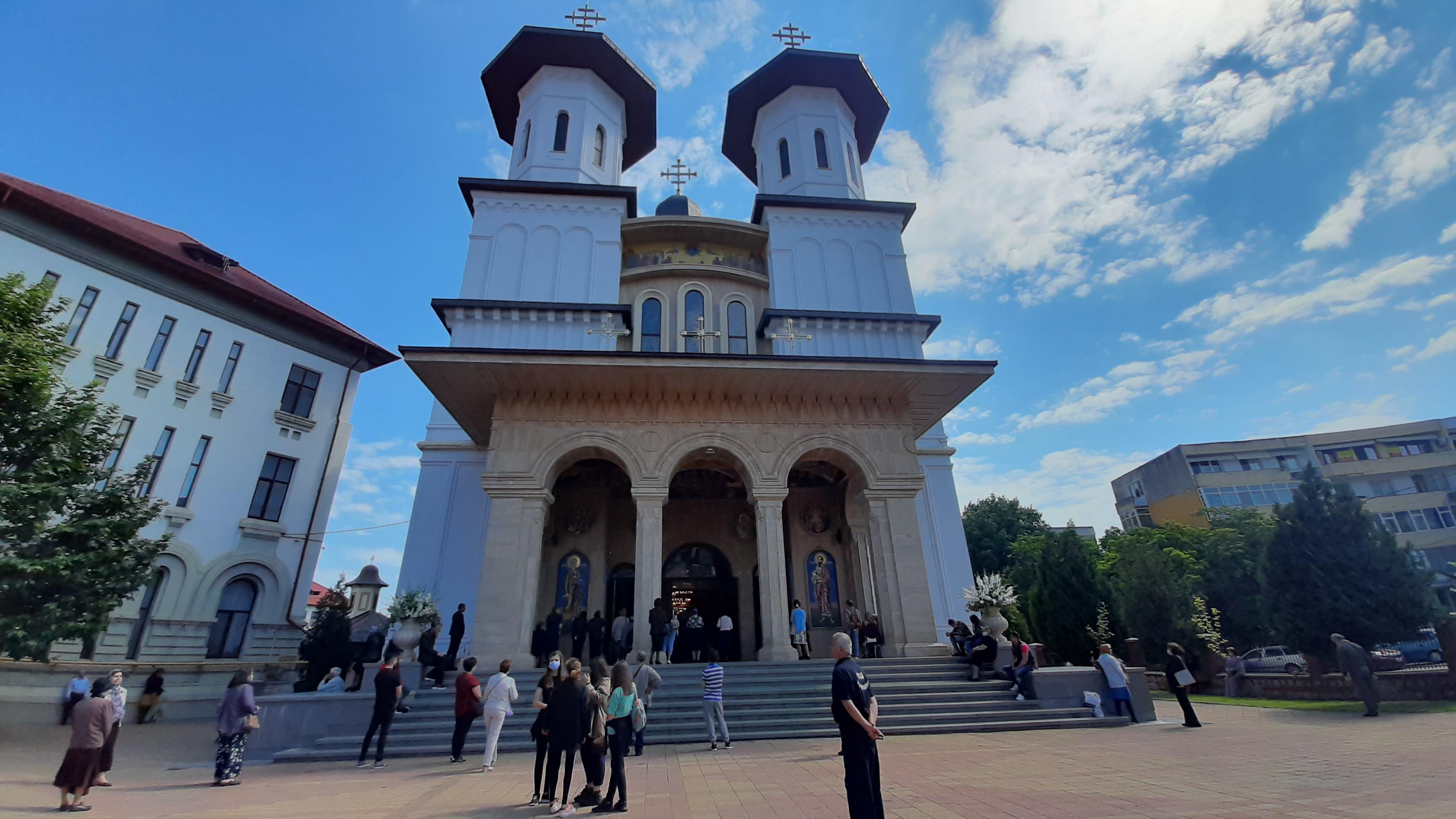 Imagini de la Hramul CATEDRALEI ARHIEPISCOPALE BUZĂU