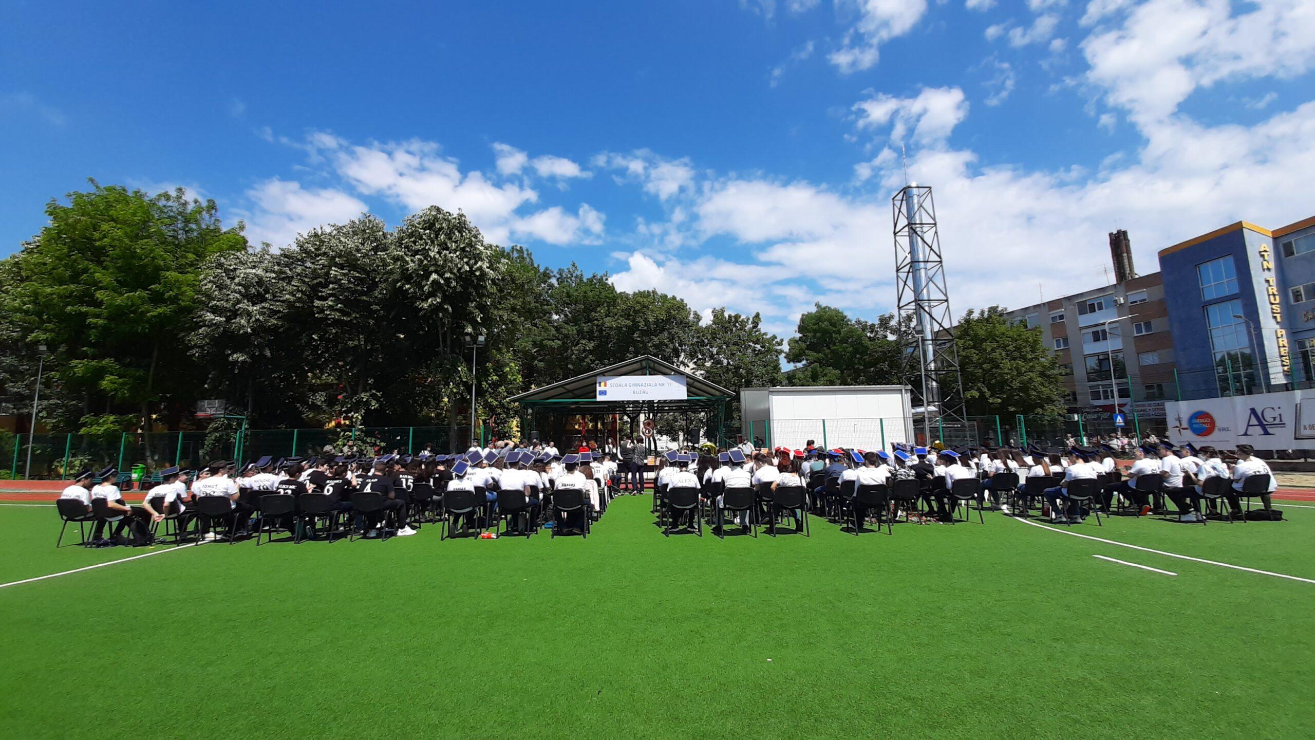 Festivitatea de absolvire de la cea mai mare școală din județ