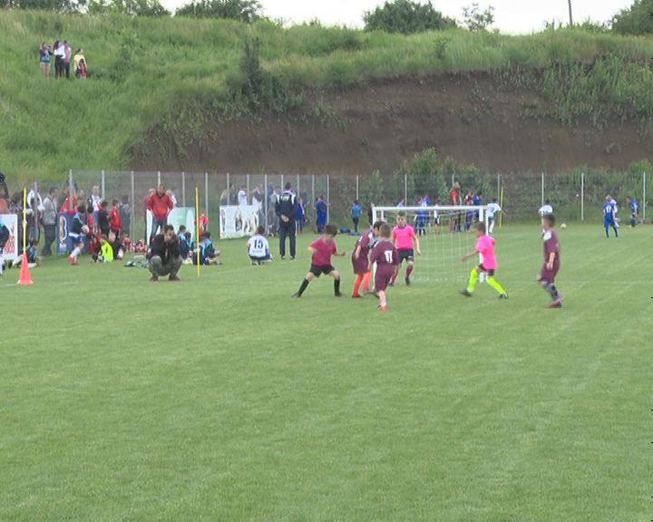 """""""Fotbal pe gazon – copii sănătoși"""". Prima competiție pentru pitici, de după pandemie"""