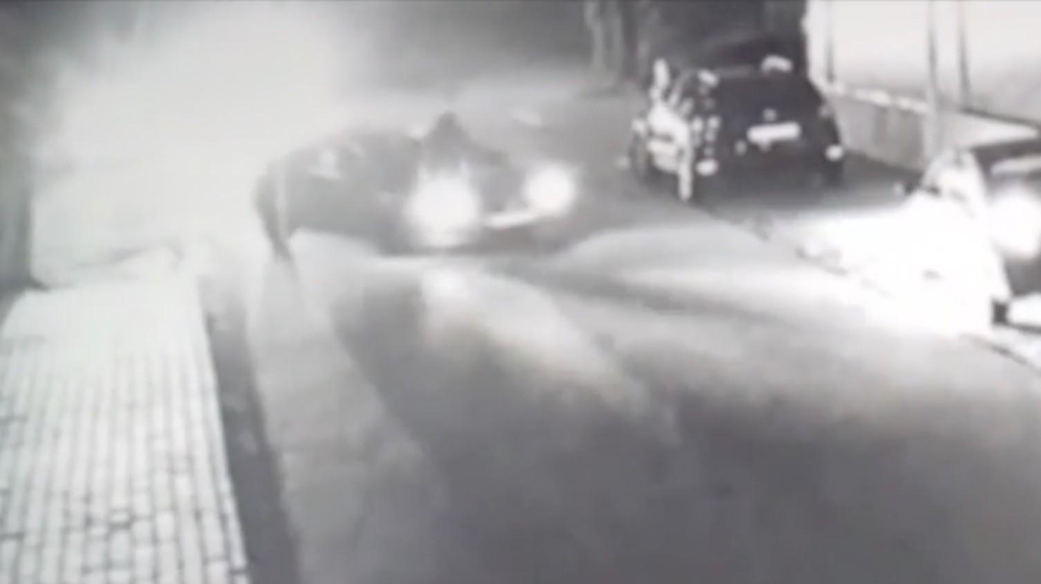 EXCLUSIV! Tentativă de omor, la Largu! A lovit cu mașina patru tineri! Individul a fost arestat!