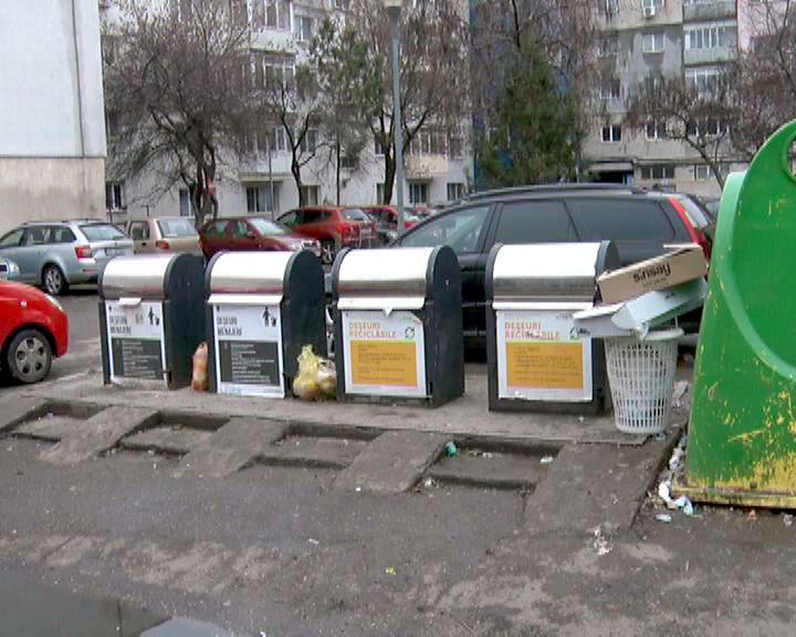 Colectarea separată a deşeurilor, încă deficitară la blocuri! Care e soluţia pentru rezolvarea situaţiei?