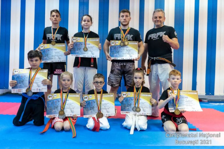 Rezultate remarcabile ale sportivilor, în kick boxing free style. Multiple titluri și medalii obținute la Campionatul Național de sportivii buzoieni