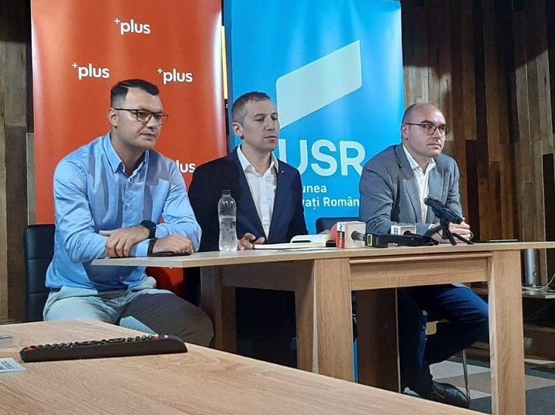 """(VIDEO) """"Am fost boicotat!"""" Fostul prefect, atac la conducerea PNL Buzău"""