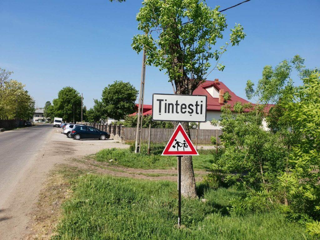 """Drumuri cu """"gropițe"""". Călătorie între Buzău și Țintești"""
