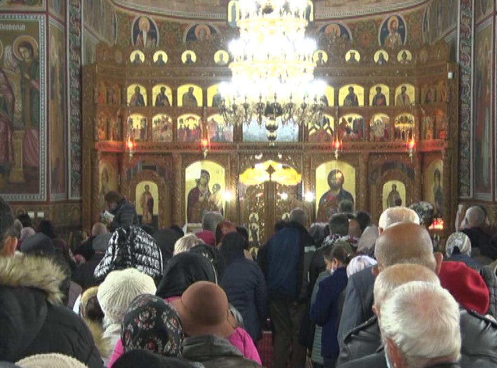 VEȘMINTELE SFINTEI CUVIOASE PARASCHEVA, LA BUZĂU! Slujbă specială la biserica din cartierul N. Titulescu